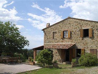 6 bedroom Villa in San Quirico d'Orcia, Tuscany, Italy : ref 2302344