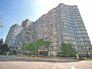 Gorgeous and spacious apartment near Square One, Mississauga