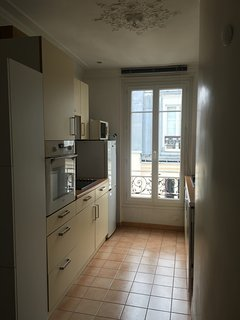 Charming and cosy flat with a balcony in the 14th, Paris