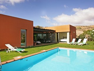 2 bedroom Villa in Salobre G. Resort, Gran Canaria, Canary Islands : ref 2307488, Patalavaca
