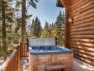 Stunning 4BR Log Home w/ Private Hot Tub, Billiards Room & Mt. Tallac Views