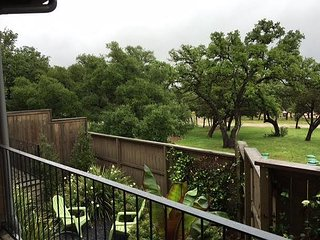 The Reserve at Lake Travis Cabin #12 – Contemporary 1BR Beauty on the Lake!, Spicewood