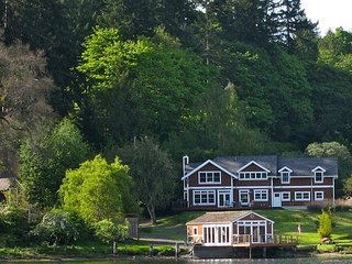 Bright, Cheery Home on Bainbridge Island Inner Harbor, Close to Seattle Ferry