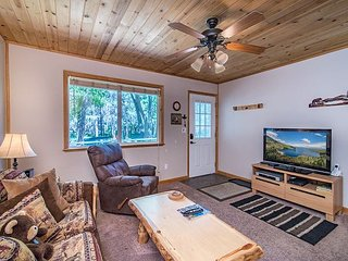 Cub's Den: A 1BR Cabin-Style Condo in South Lake Tahoe – Near Camp