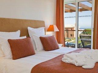 2 bedroom Villa in Carvoeiro, Algarve, Portugal : ref 2308025