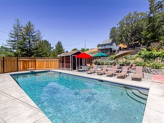 Fun, Spacious Cottage Retreat w/ Private Pool & Mountain Views, Glen Ellen