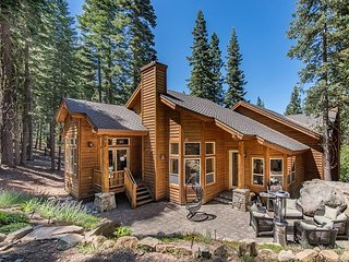 Wooded Luxury at Tahoe Donner with Private Deck in the Pines