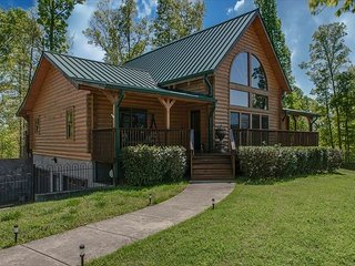 Hilltop Family Retreat on Over 10 Acres Near Downtown Nashville, Ashland City