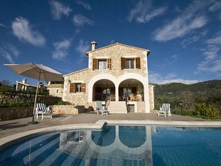 5 bedroom Villa in Campanet, Mallorca : ref 4112