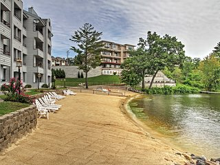 Lakefront 1BR Condo in the Wisconsin Dells w/ Breathtaking Views, Private Beach, Pools & More - Perfect for Families!