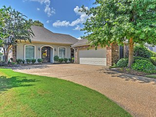 Tranquil 3BR Haughton House in Olde Oaks w/Wifi, Private Patio & Serene Golf
