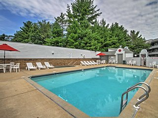 Waterfront Lake Delton Condo w/Pool & Spa Access!