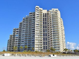 Book 'Tequila Sunsets' Now--a beautiful 2nd fl beach front condo!!, Miramar Beach