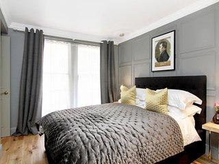 Luxury Apartment with Roof Terrace, Edinburgh