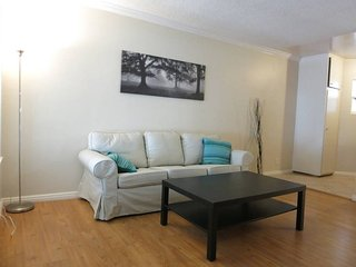 Furnished 2-Bedroom Apartment at Louise Ave & Lindblade Dr Los Angeles, Los Ángeles