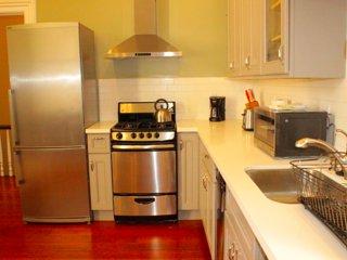 Furnished 1-Bedroom Apartment at Pierce St & Perine Pl San Francisco