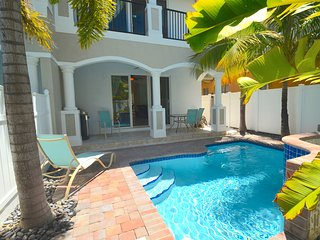 "By The Sea Vacation Villas LLC- ""Vista 37"" ROOF TERRACE+HTD POOL+1 BLK TO BCH!, Lauderdale by the Sea"