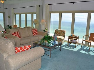 beachfront condo ~ perfect fall weather ~ fun FREE activities ~private resort