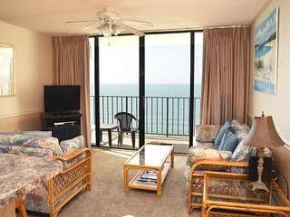 LOVELY AND UPDATED TWO BEDROOM OCEAN FRONT CONDO AVAILABLE NOW!