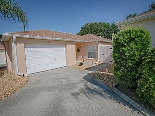 Fantastic Courtyard Villa with complimentary golf cart, Lady Lake