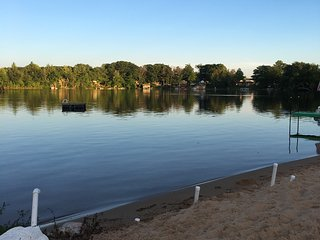 Big Bass Lake All Sports! 4 bed/2 bath couples retreat, family! special price!, Irons