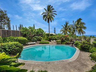 Experience Vintage Hawaii with an Ocean View and Private Pool!