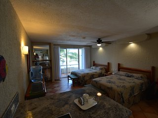 1211 OCEAN FRONT GETAWAY FOR COUPLES OR FAMILIES