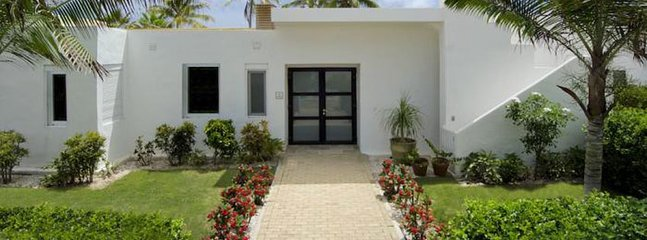 Coral Beach Club - Alabaster 3 Bedroom SPECIAL OFFER Villa Alabaster 3 Bedroom SPECIAL OFFER, Philipsburg