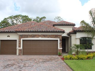 Gorgeous 3 bdrm, 2 ba Home at Treviso Bay, Naples