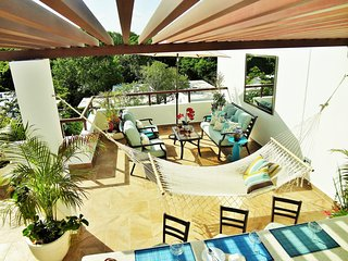 Welcome to Paradise Blue!  Tropical Penthouse in Paradise, Akumal