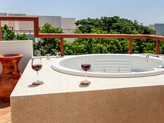 Sleek, Modern Two Bedroom Penthouse - Golf, Spa, TAO Inspired, Akumal