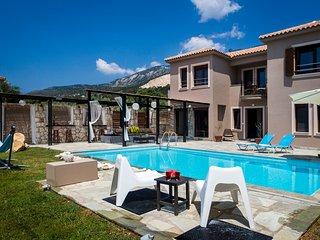 Villa Minetti, Lourdas