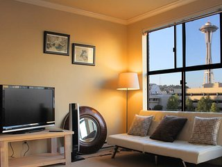 Modern Studio with Beautiful View of Space Needle, Seattle