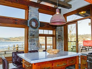 The Pedro Point Boat House/Dockside