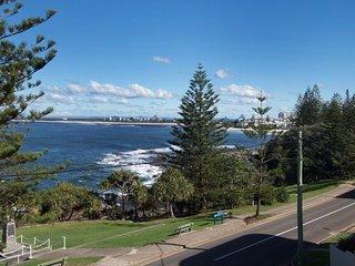 Wickham Point Unit 4 Kings Beach, QLD