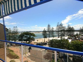 Boardwalk Apartments Unit 6 Bulcock Beach QLD, Caloundra