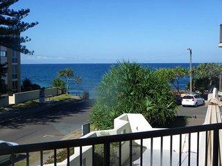 Pandanus Shores unit 5 Kings Beach QLD