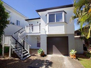 49 Henzell Street, Dicky Beach QLD
