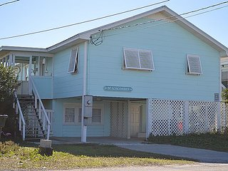 BeachComber - Stellar Oceanfront View, Fantastic Location, Charming Character, Topsail Beach
