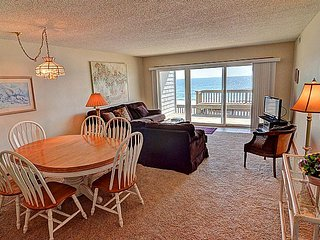 Queen's Grant D-112 - Oceanfront, Pool, Hot Tub, Boat Access