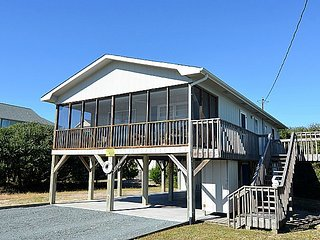 Merri-Mac - Second Row Cottage with Screened Deck Near Shops and Restaurants!