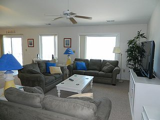 No Way Out - Superb Oceanfront View, Relaxing Interior, Near Shops & Restaurants, Topsail Beach