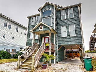 Narnia - Spectacular Oceanfront Home with Elevator, Pets Welcome!