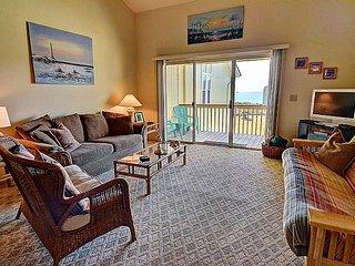 Surf Condo 636 - Wonderful Ocean View, Beachy Chic Decor, Pool, Beach Access, Onsite Laundry, Surf City