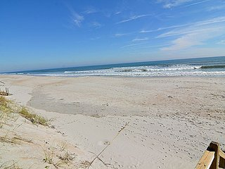 Footprints - SAVE $200 in June!  Gorgeous Oceanfront View home w/Elevator,