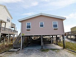 Tan-N-Sand - Entrancing Oceanfront View, Traditional Beach Cottage, Pet Friendly, Surf City