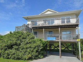 Chapel Chill - Delightfully Modest Home, Ocean View, Beach Access, Topsail Beach