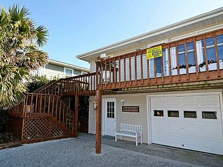 Seaside Retreat - Spectacular Oceanfront View, Superb Coastal Decor, Charming, Topsail Beach