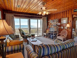 Dot's Spot - Cozy Oceanfront Beach Cottage.