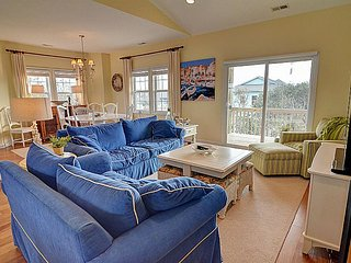 Jennifer's Dream - Beautiful Island Interior home with Elevator, Pets Welcome!